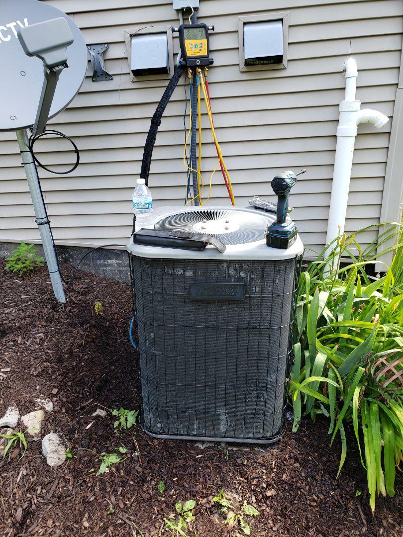 Howell, MI - Lennox Air Conditioner