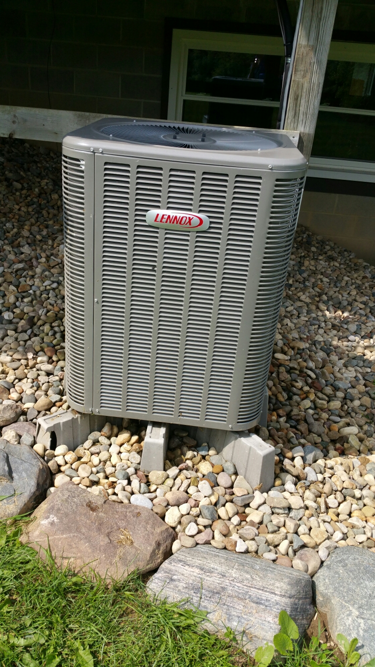 Fowlerville, MI - Lennox A/C and comfortmaker furnace tune up