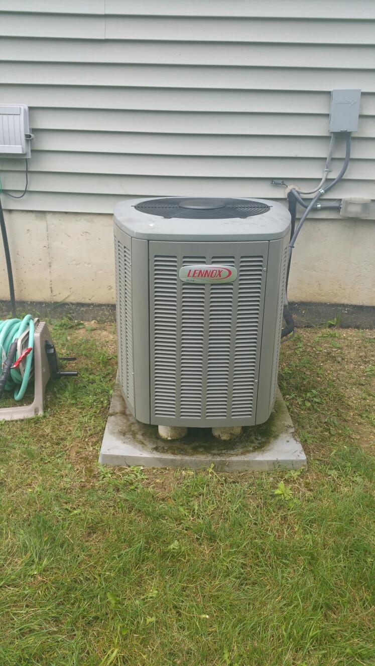 Pinckney, MI - Comfortmaker furnace and Lennox AC tune up