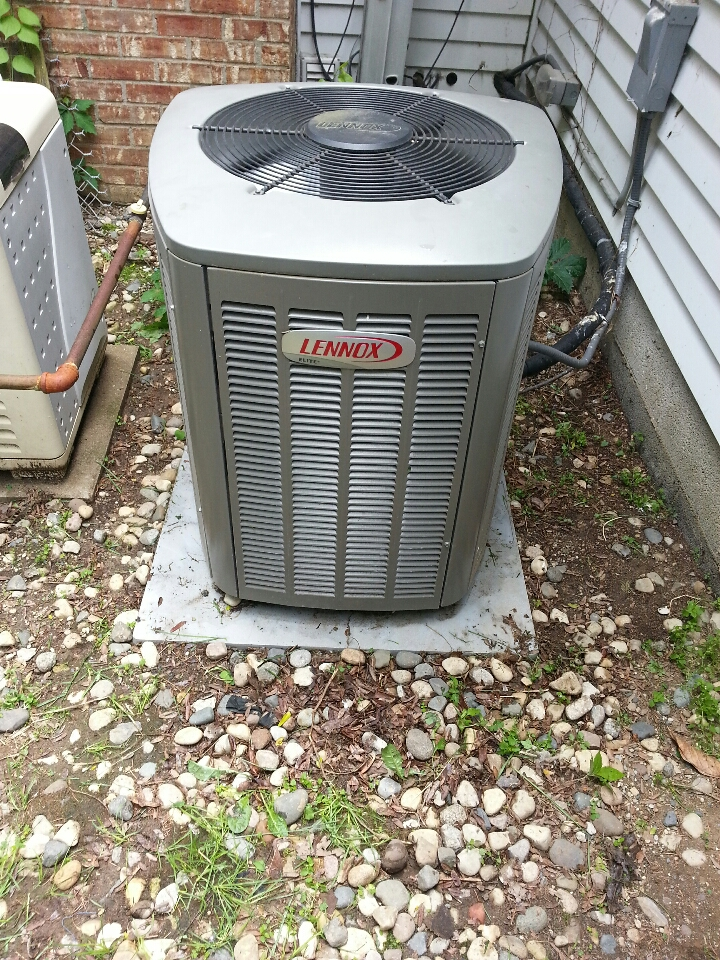 Hartland, MI - Lennox Air Conditioner tune-up