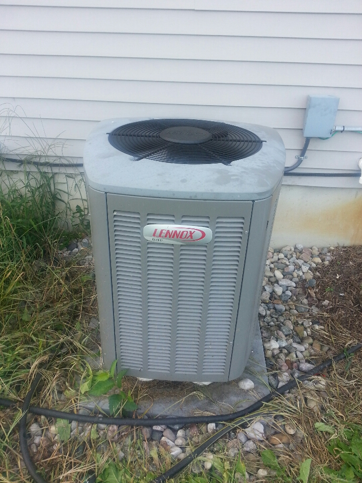 Fowlerville, MI - Replace Lennox XP13-024 thermal expansion valve