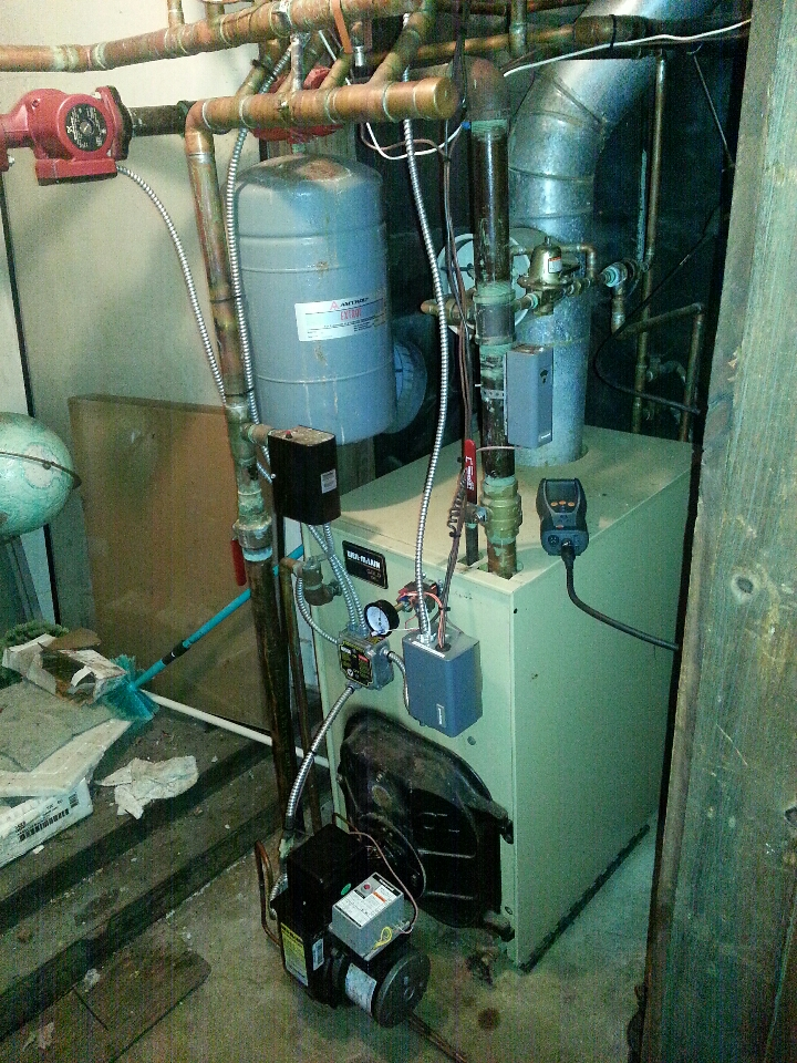 South Lyon, MI - clean weil-mclain oil boiler, replace aquastat and temp gauge.