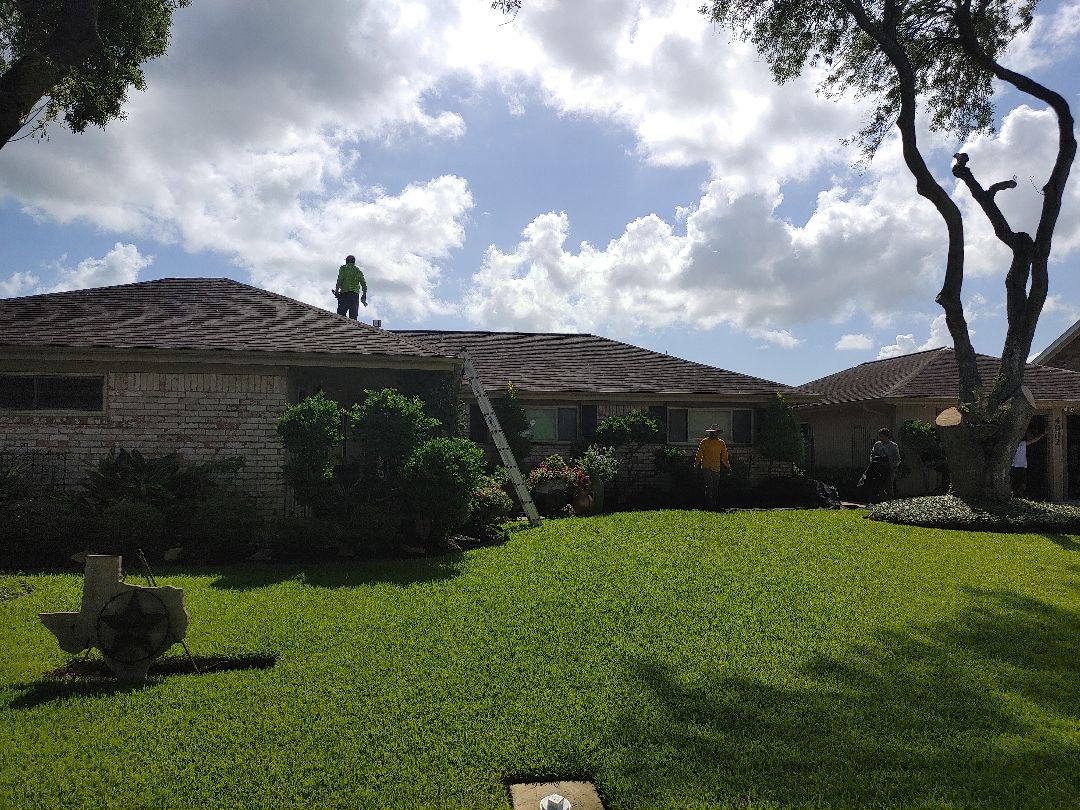 Texas City, TX - House and garage roof replacement