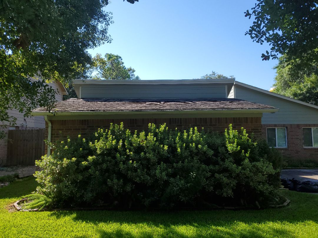 Spring, TX - Quoting a roof repair.  Not all roofs have to be replaced and life can be extended with proper repairs and maintenance. Call Redemption Roofing today for your free assessment.