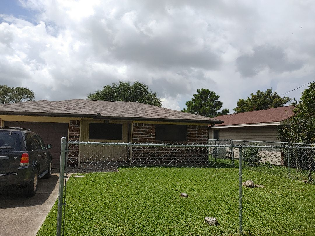 Nederland, TX - Free storm inspection Tarps Roof repair, replacement
