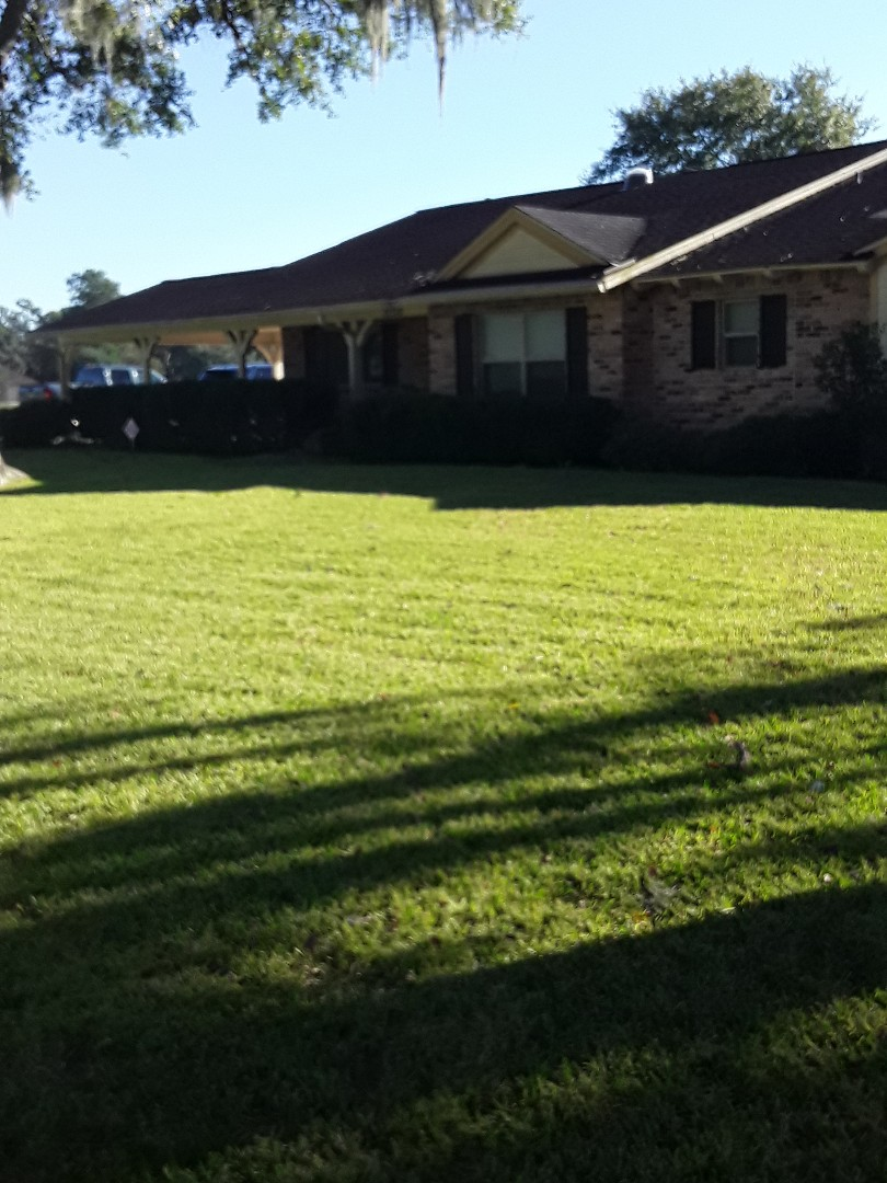 Cypress, TX - Roof inspection in Cypress. Homeowner would like to discuss replacement and repair options.
