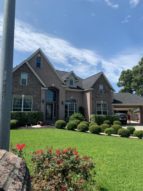 Tomball, TX - This roof was bought on hail damage and we meet out with the adjuster for the homeowner.