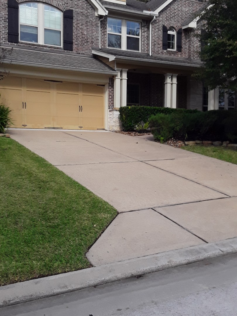 Magnolia, TX - Customer approved for full roof replacement by insurance. Hail damage in Magnolia.