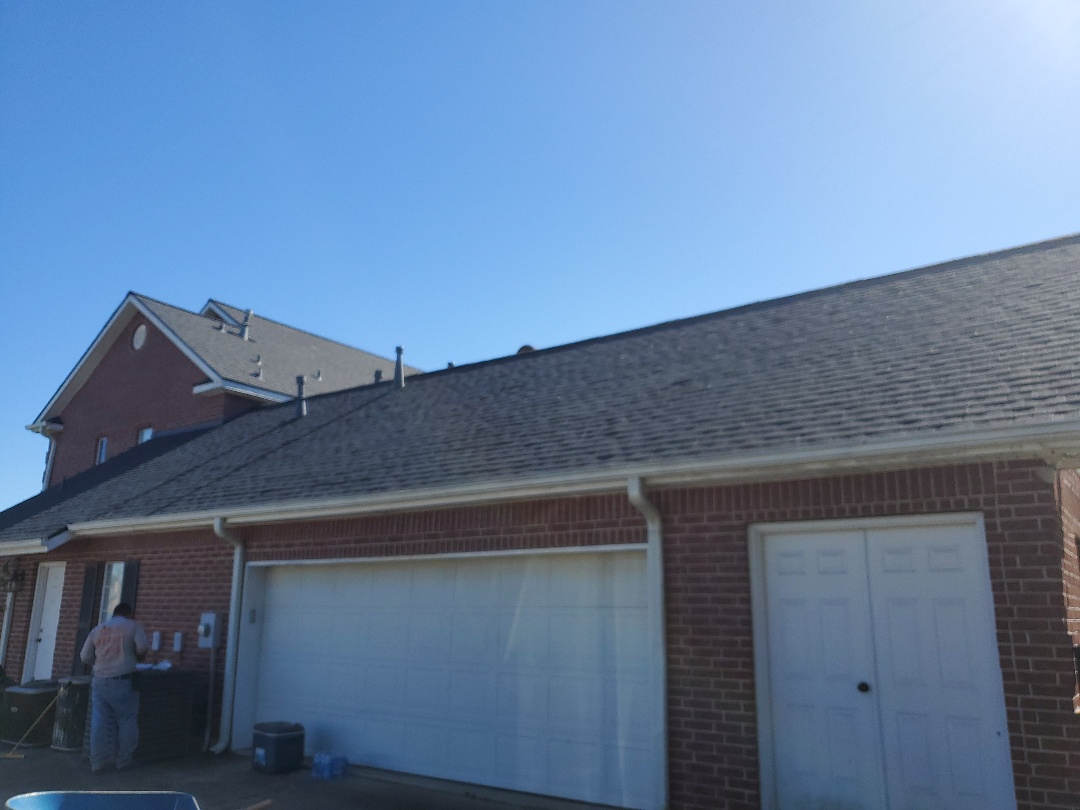 Orange, TX - Final inspection on this roofing project. Certainteed Landmark Moire Black with shadow ridge.