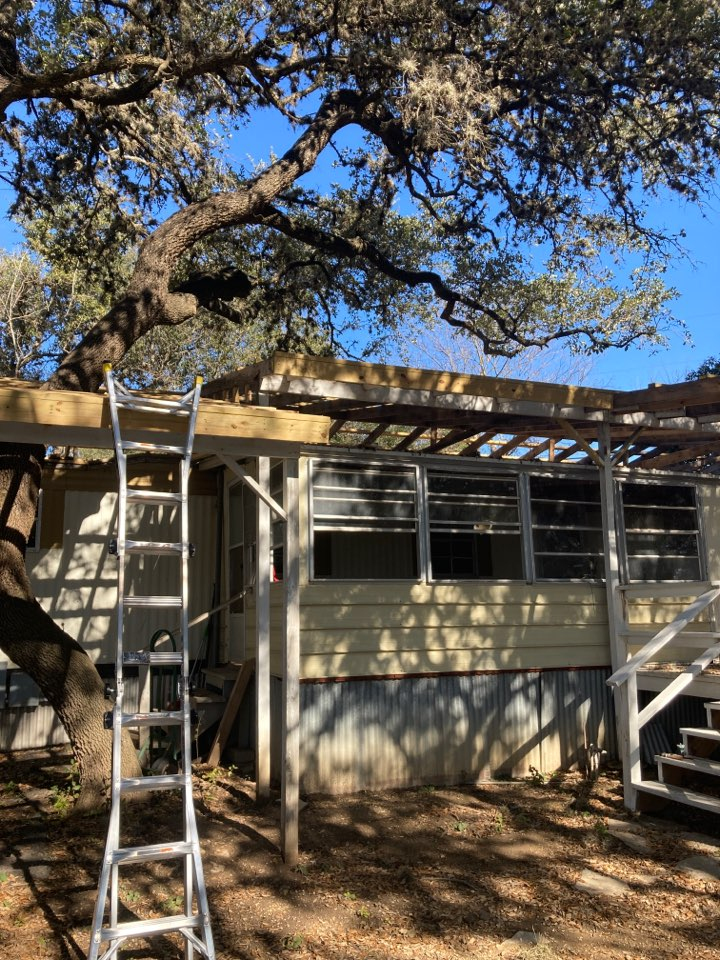 Canyon Lake, TX - R panel estimate.  Free inspection and free free estimate.