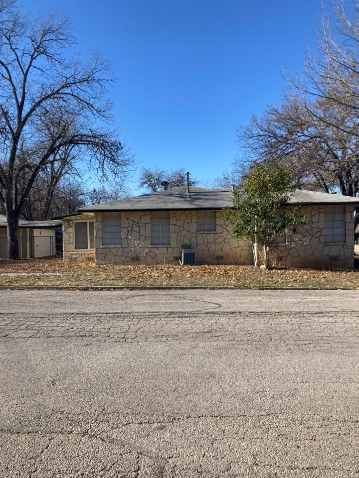New Braunfels, TX - Home for sale with an old roof.  Call for a free inspection and free replacement estimate.