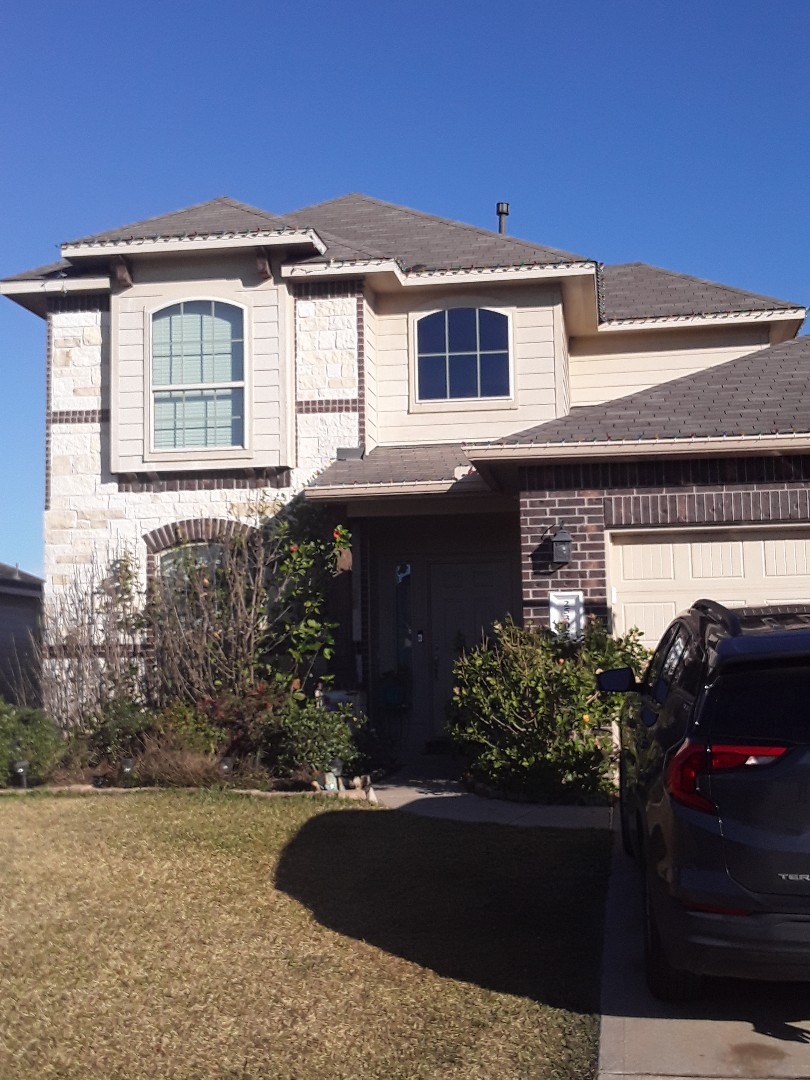 Tomball, TX - Customer is hiring us today for a full roof replacement!! Storm claim in Tomball.