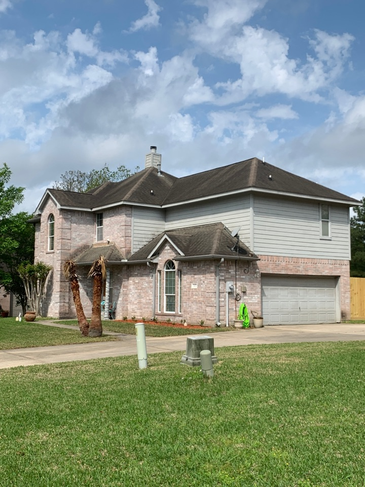 Conroe, TX - Meeting with the insurance adjuster on behalf of the homeowner