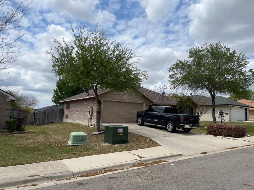 New Braunfels, TX - Wind damage in new Braunfels, call for a free inspection and free estimate!