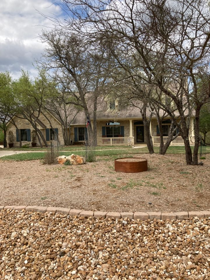 New Braunfels, TX - Looking for hail damage.  Free roof inspection.  Free roof replacement estimate.