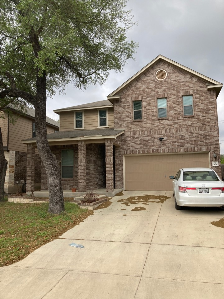 San Antonio, TX - Roof leak.  Free roof inspection. Free roof repair estimate.  Free roof replacement estimate.