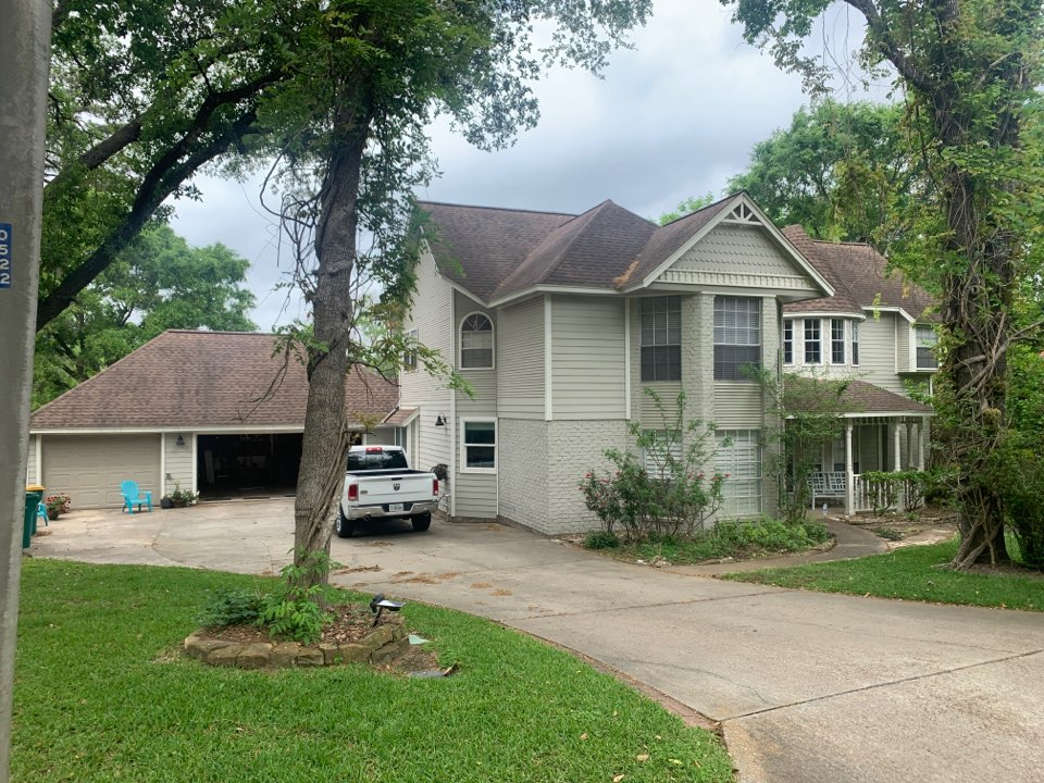 Conroe, TX - Another roof bought by Ins