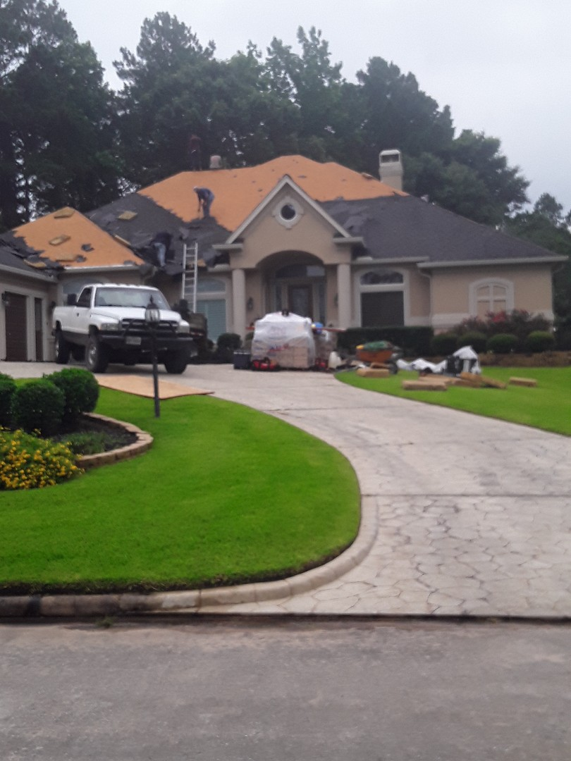 Montgomery, TX - New roof install in Bentwater!