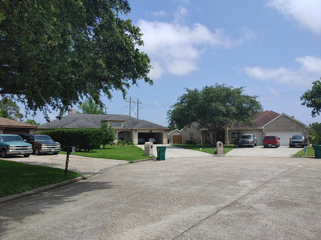 La Marque, TX - Leak inspection Roofing repair or replacement