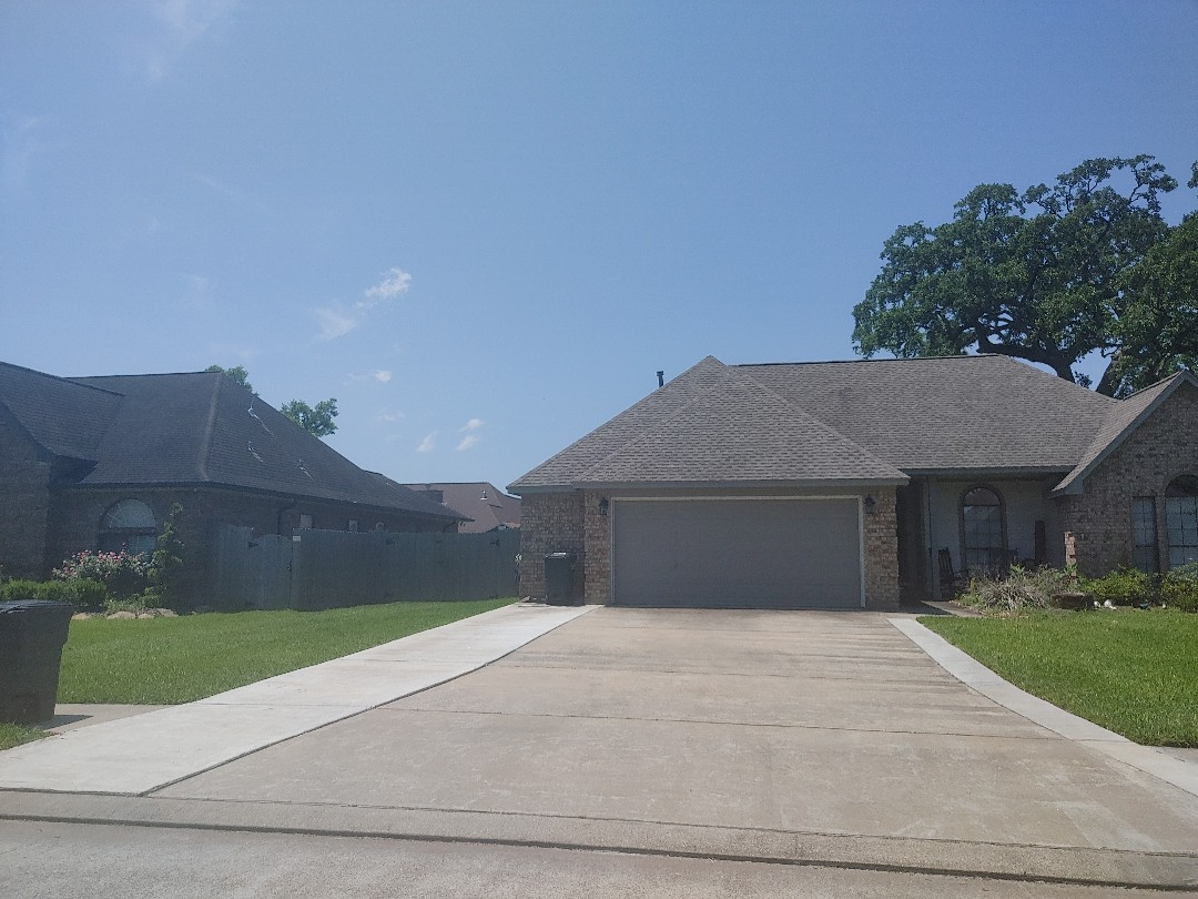 Clute, TX - Roofing repair or replacement Free property evaluation and photo report Insurance claims