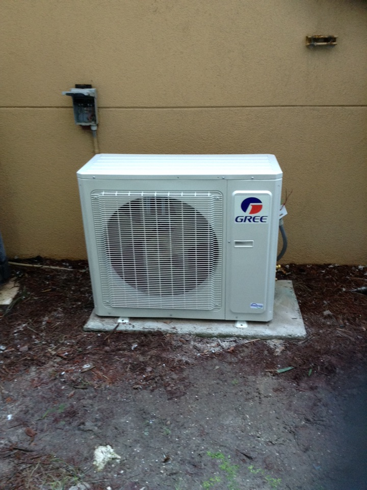 Oldsmar, FL - GREE heat pump inverter mini split ductless AC system installation in Oldsmar . Air Zero provides free new central home air conditioning/heat pump system replacement installation price cost quote estimate , air conditioner repair service and ac maintenance / tune up on all brands of home hvac units in Oldsmar Fl.