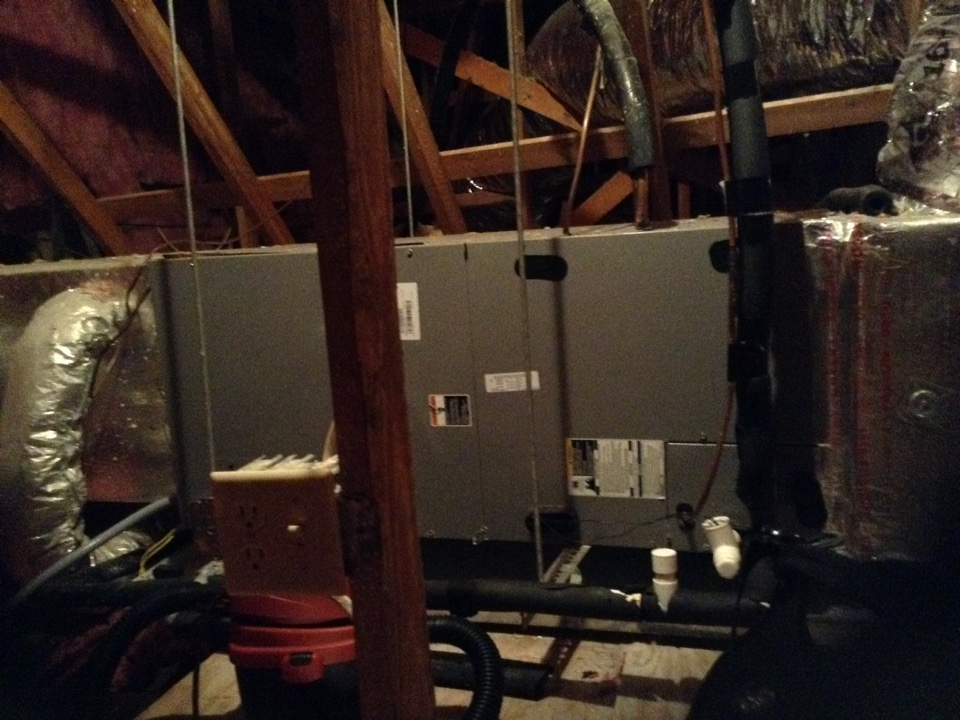 Oldsmar, FL - Oldsmar ac / heat repair service call -ICP air handler unit with no heating. System out of Freon / refrigerant . Due to age of hvac system customer considering replacement . Air Zero provides free new central home air conditioning/heat pump system replacement installation price cost quote estimate , air conditioner repair service and ac maintenance / tune up on all brands of home hvac units in Oldsmar Fl.