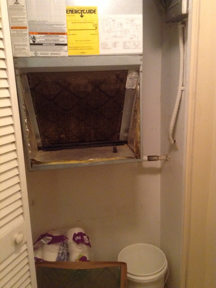 Gulfport, FL - Rheem ac system with a water leak Gulfport Fl. Drain clogged .  Water leak in closet - found drain line clogged and air handler condensate water overflowing open tee fitting in drain line. Cleared drain line with nitrogen purge. Ensured free flowing drain. As courtesy brushed evaporator coil clean and sprayed no rinse coil cleaner. Air filter needs replacement.  . Air Zero provides free new central home air conditioning / heat pump system replacement installation price cost quote estimate , air conditioner repair service and preventative maintenance ac tune up and warranty work repair on all brands Trane , Lennox , Bryant , Goodman , Rheem , Carrier , York and more of home hvac units in  Gulfport, FL 33707