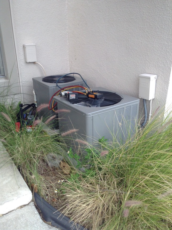 Gulfport, FL - Rheem ac unit repair service Gulfport Fl.  Air conditioning system not cooling . Found breaker tripped . Condenser pulling normal amperage , breaker weak . Air Zero provides free new central home air conditioning / heat pump system replacement installation price cost quote estimate , air conditioner repair service and preventative maintenance ac tune up and warranty work repair on all brands Trane , Lennox , Bryant , Goodman , Rheem , Carrier , York and more of home hvac units in Gulfport, FL 33707