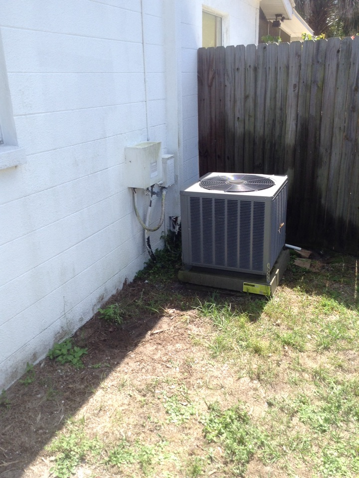 Seminole, FL - Seminole - Rheem heat pump central ac system ac tune up. Chemically cleaned and rinsed condenser and evaporator coils. Cleared ac drainage system. Ensured unit draining properly. Started system and checked operation. Inspected electrical, amps and operating pressures. Air Zero provides free new central home air conditioning / heat pump system replacement installation price cost quote estimate Seminole , air conditioner repair service and preventative maintenance ac tune up and warranty work repair on all brands Trane , Lennox , Bryant , Goodman , Rheem , Carrier , York and more of home hvac units in Seminole, FL 33772