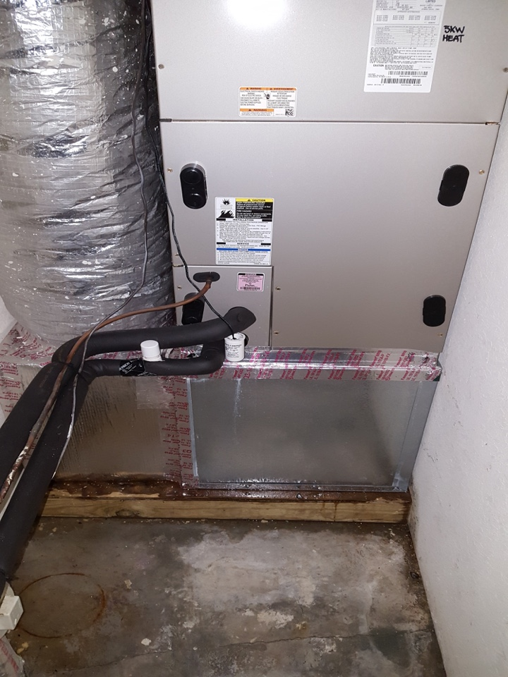 Seminole, FL - Seminole Air conditioner repair service call . BRYANT air handler leaking water. Air Zero provides free new central home air conditioning / heat pump system replacement installation price cost quote estimate Seminole Fl., air conditioner repair service and preventative maintenance ac tune up and warranty work repair on all brands Trane , Lennox , Bryant , Goodman , Rheem , Carrier , York and more of home hvac units in Saint Seminole, FL 33776