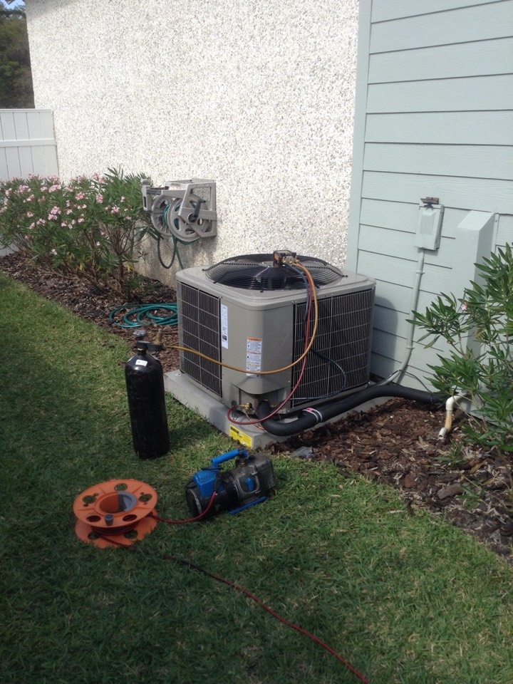 Seminole, FL - BRYANT heat pump central split ac system installation Seminole Fl. Air Zero provides free new central home air conditioning / heat pump system replacement installation price cost quote estimate Seminole Fl., air conditioner repair service and preventative maintenance ac tune up and warranty work repair on all brands Trane , Lennox , Bryant , Goodman , Rheem , Carrier , York and more of home hvac units in Seminole, FL 33776