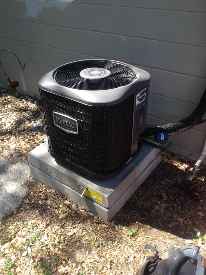 Gulfport, FL - A/C repair service call in Gulfport Fl. Customer reports outside unit making buzzing sound . Found bad capacitor .  Air Zero provides free new central home air conditioning / heat pump system replacement installation price cost quote estimate Gulfport Fl., air conditioner repair service and preventative maintenance ac tune up and warranty work repair on all brands Trane , Lennox , Bryant , Goodman , Rheem , Carrier , York and more of home hvac units in Gulfport, FL 33707