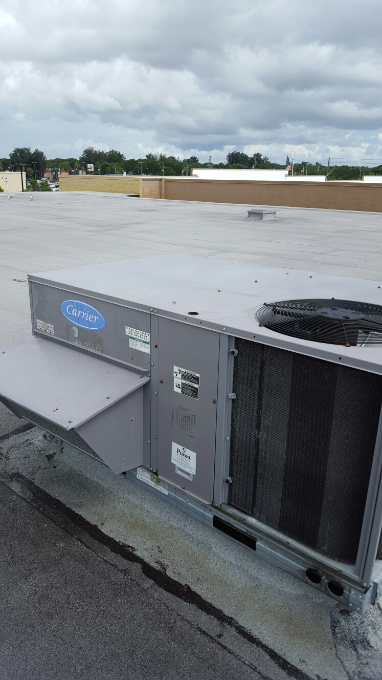 Pinellas Park, FL - Carrier Rooftop package ac system. Ac tune up.