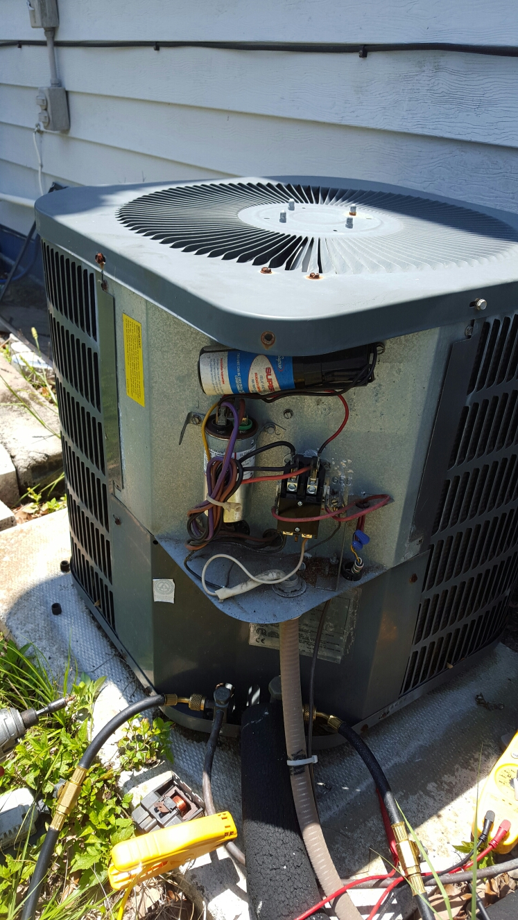 Gulfport, FL - Goodman ac unit not cooling. Replaced burnt broken contactor switch with new.