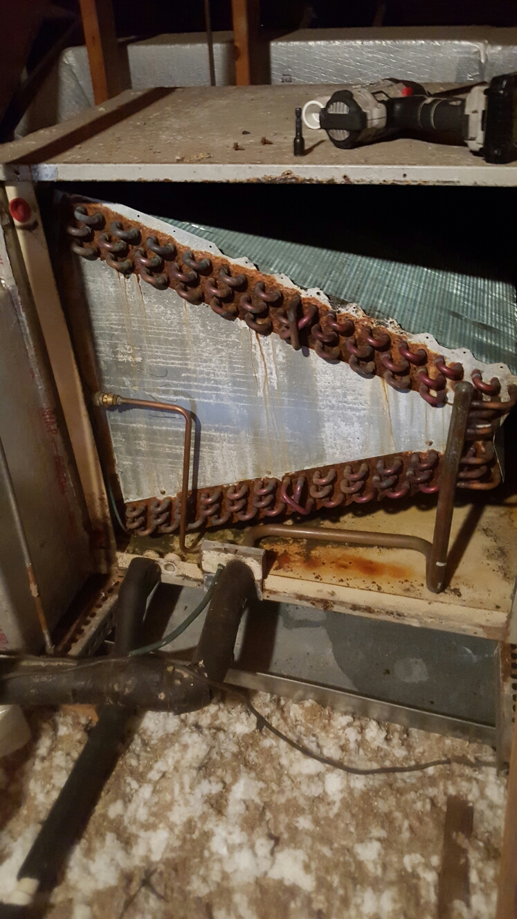 Gulfport, FL - Icp heil air handler evaporator coil very rusted.