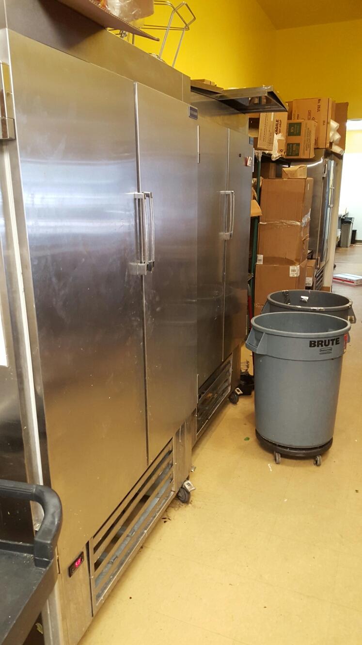 Largo, FL - 2 doir upright reach in cooler repair. Coolman brand unit.