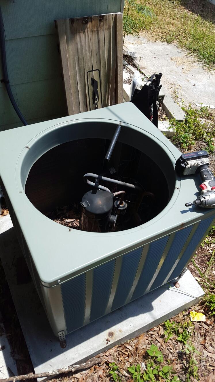 Largo, FL - Rheem heat pump ac repair. Unit not cooling.