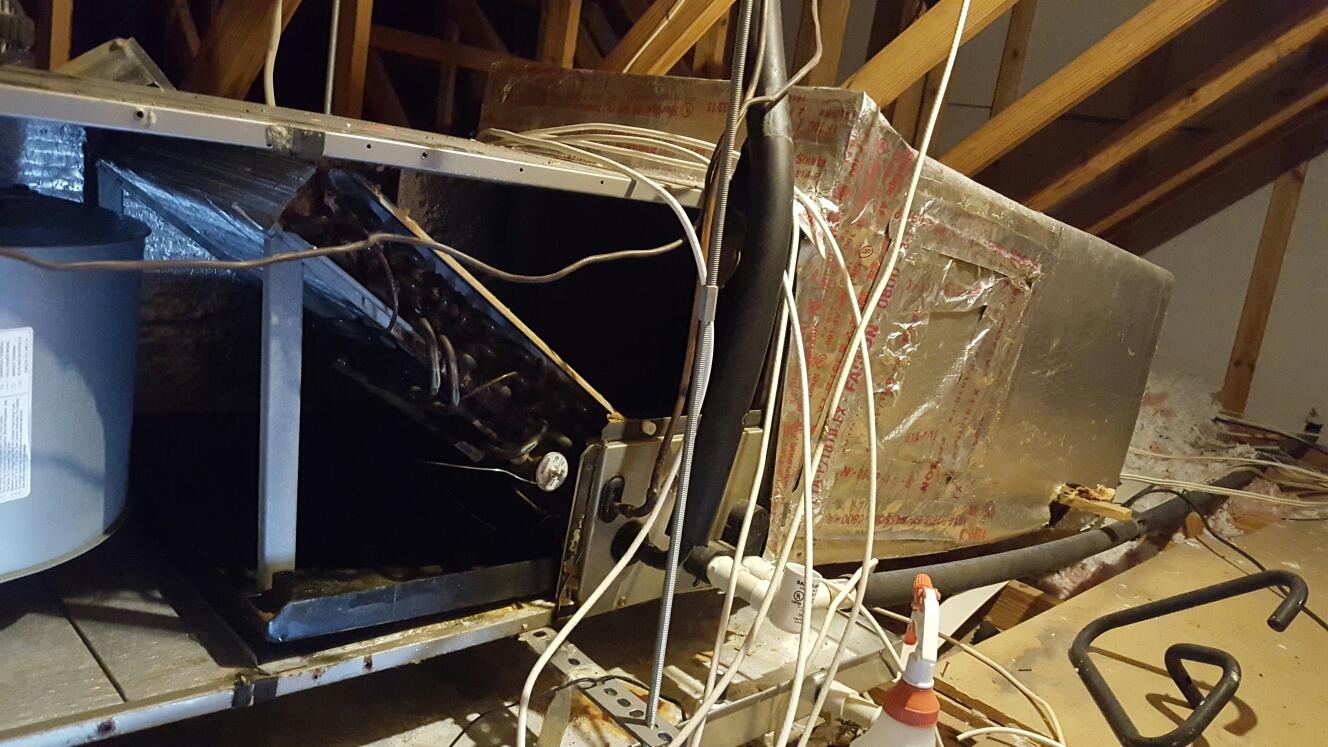 Largo, FL - Payna ac tune up. Ac return plenum duct broken.
