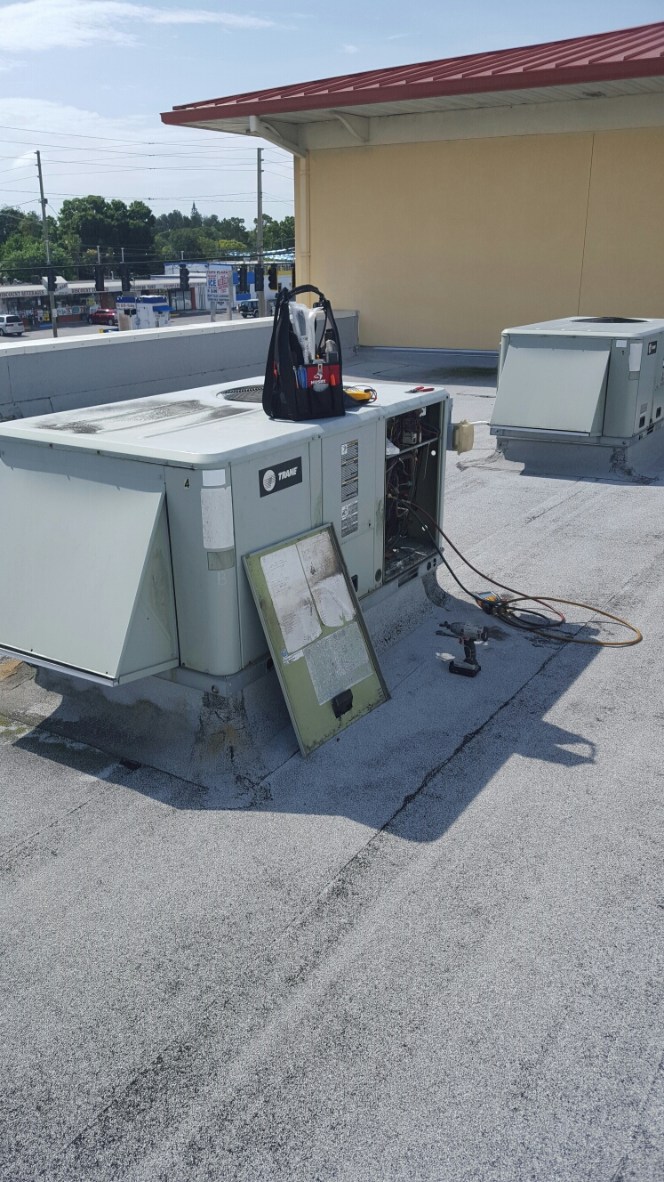 Pinellas Park, FL - trane roof top ac unit repair.