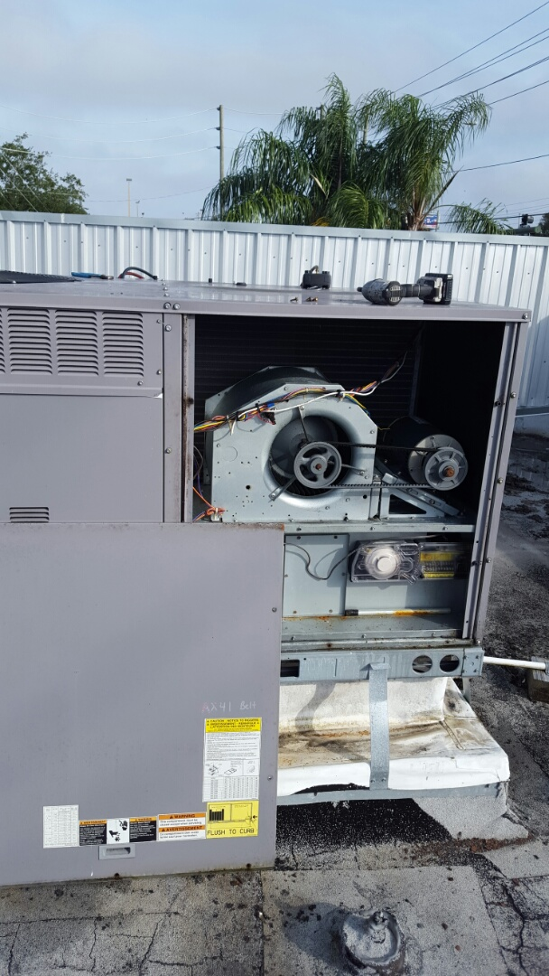 Largo, FL - Carrier package ac system repair.