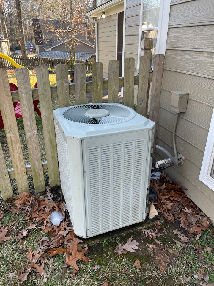 Alabaster, AL - System not heating/freezing over. Found heat pump low on refrigerant. Recharged system and it is now heating properly.
