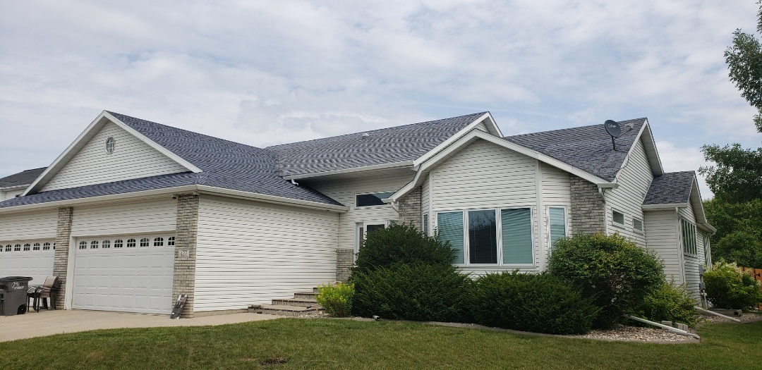 Moorhead, MN - Need your shingles replaced? We can help! We are a Certainteed Select Shinglemaster Company.