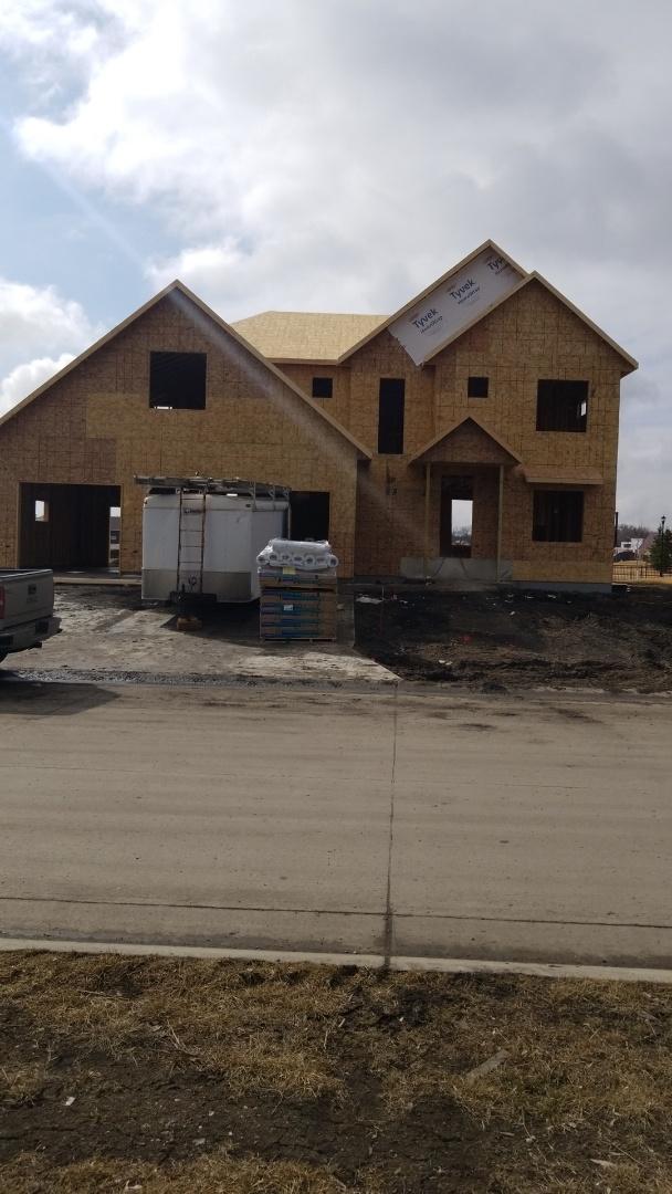 West Fargo, ND - Custom home with Landmark shingles