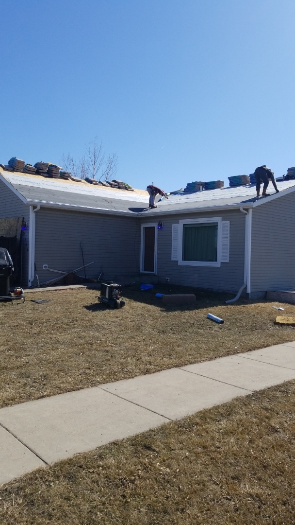 Fargo, ND - Metal and shingle roofing tear off.  Install new Certainteed Landmark .
