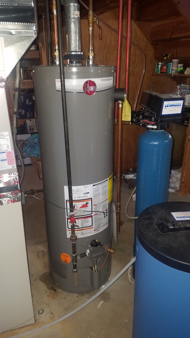 Ham Lake, MN - Emergency water heater installation.  Rheem 40 gallon gas water heater.
