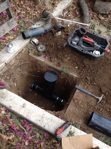 La Puente, CA - Installing sewer check valve in city of la puente