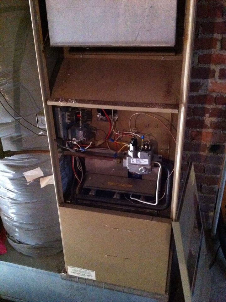 Hackettstown, NJ - Heating service call.  Replace/Service pilot assembly on a Trane propane furnace.