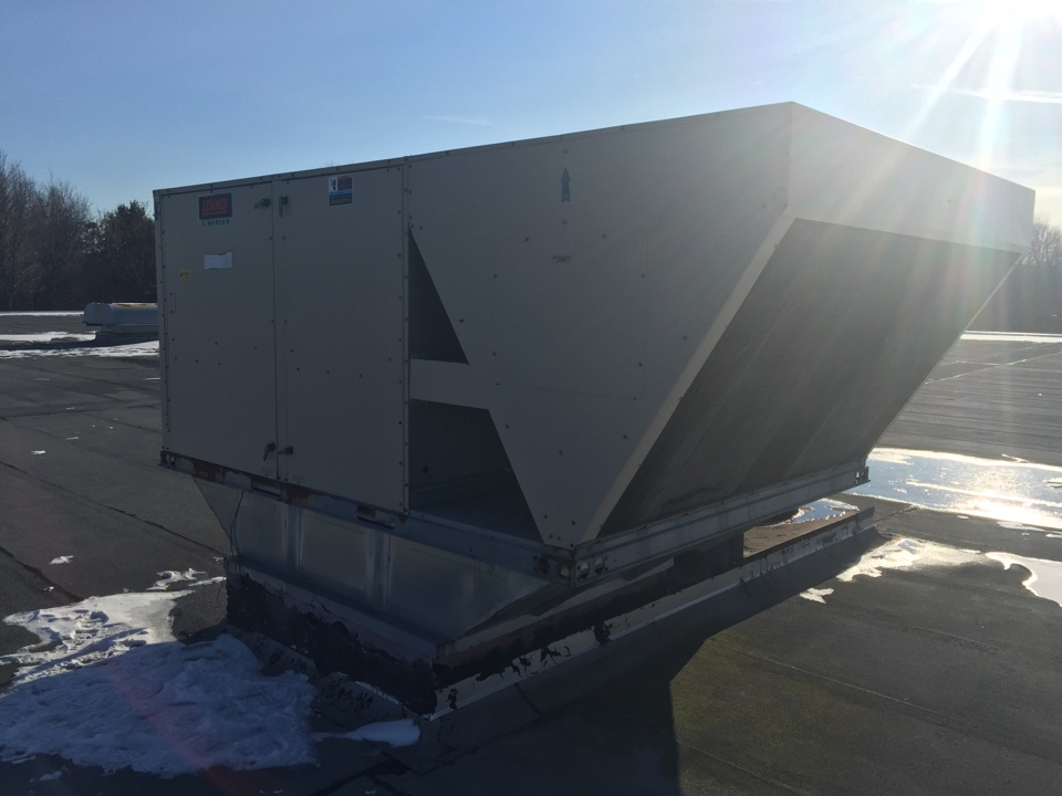 Roxbury Township, NJ - Heating service call.  Repair lenox L series rooftop unit for a commercial client.