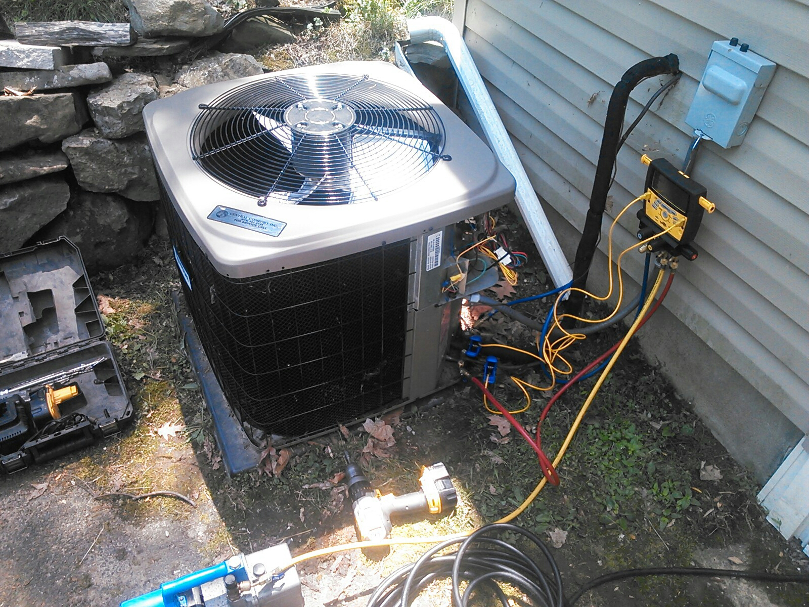 Newton, NJ - Finishing warranty condenser coil replacement on a Guardian air conditioning system.
