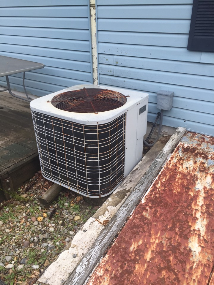 Mine Hill Township, NJ - Air conditioning service. Warm air blowing from vents. Condenser low on refrigerant. Free installation oh heating and air conditioning equipment.